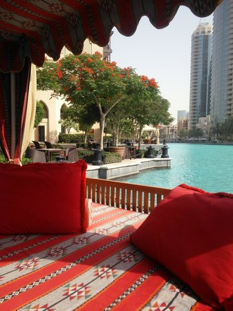 Palace Downtown : Comfort by the pool