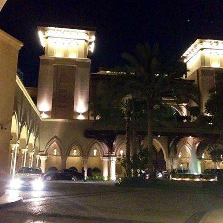 Palace Downtown : Palace at night