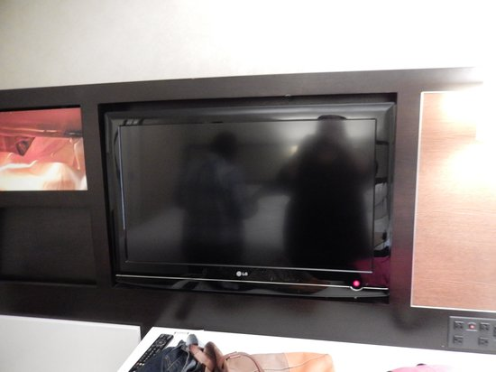 Staybridge Suites Times Square - New York City: Great TV with various pre-programmed channels
