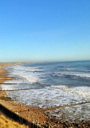 Eastshaw Guest House: the seaglass beach is a three minute walk from the guesthouse.