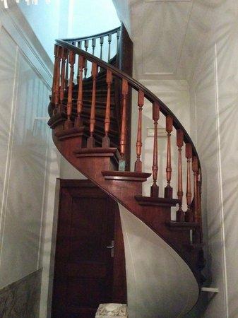 Hotel Keizershof: winding staircase