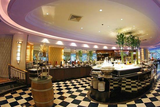 Plaza Athenee Bangkok, A Royal Meridien Hotel : The Rain Tree Cafe