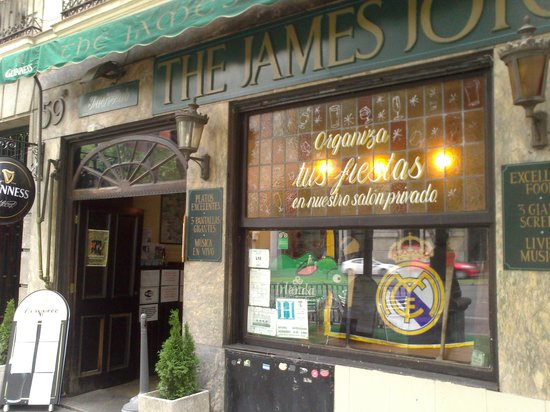 James Joyce Irish Pub: Entrada.
