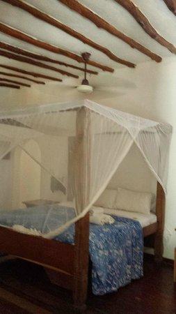Hakuna Majiwe Beach Lodge: camera da letto