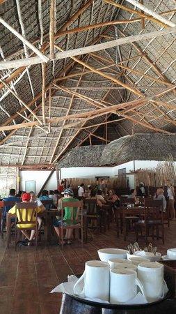 Hakuna Majiwe Beach Lodge: il ristorante