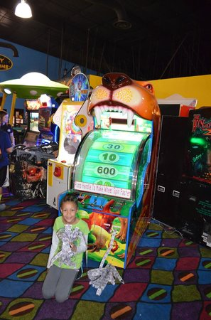 Funopolis Family Fun Center: lion gives lots of tickets
