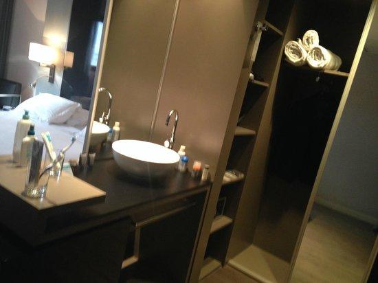 AC Hotel Sants: Baño