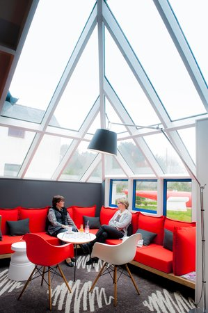 Ibis Brest Kergaradec : Espace Lounge