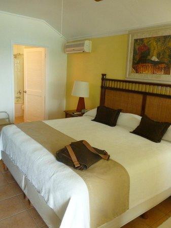 Sea Breeze Beach Hotel : room