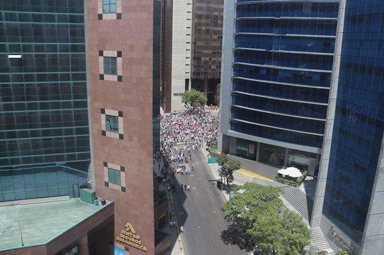 JW Marriott Hotel Caracas: Manifestações...
