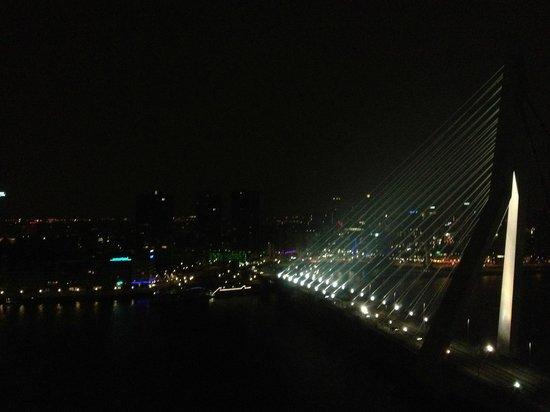 nhow Rotterdam: Uitzicht by night