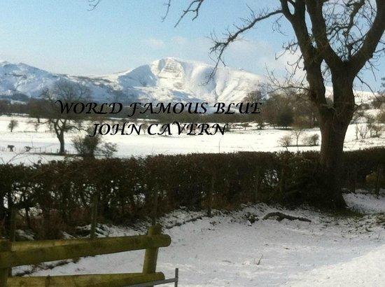 Blue John Cavern: Winter