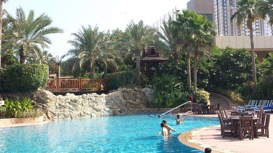 Gulf Hotel Bahrain Convention and Spa: Nice Pool
