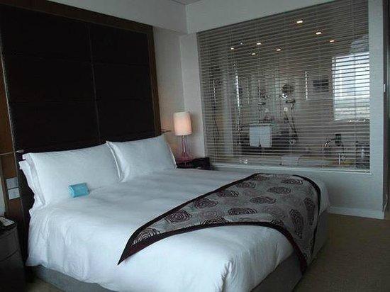 Crowne Plaza Dubai Festival City: Bed