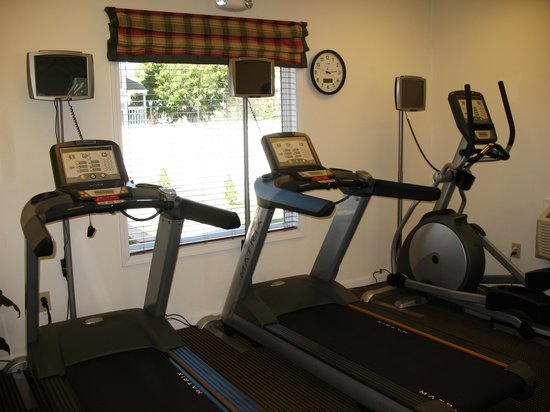 Residence Inn Milwaukee Brookfield: Keep fit in our fitness center - open 24-hours