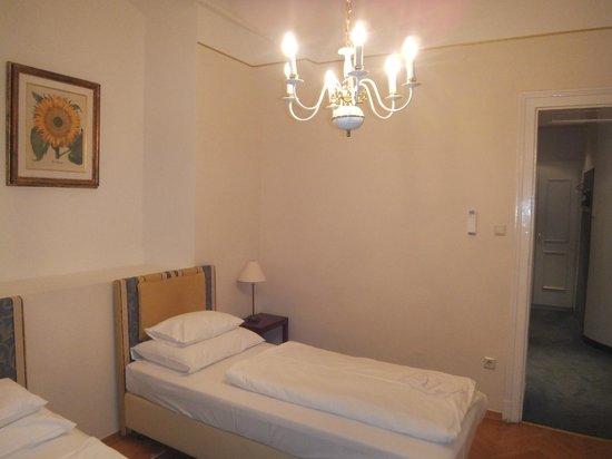 Palais Hotel Erzherzog Johann: room