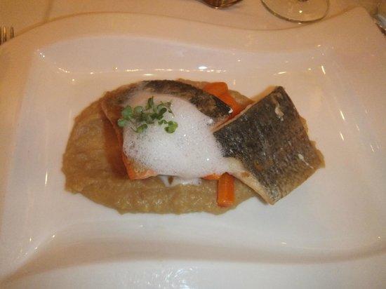 Palais-Hotel Erzherzog Johann: barracuda (dinner)