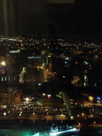 Hilton Manchester Deansgate: Presidential suite one of the Night views