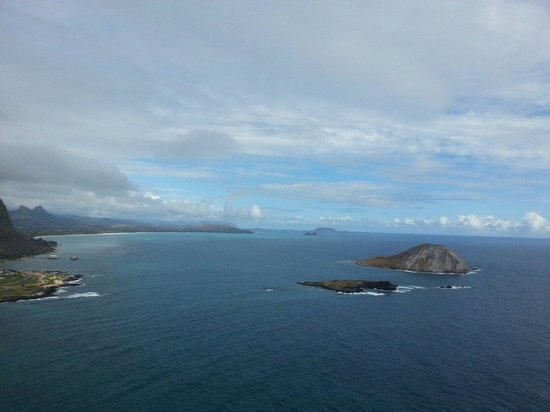 Makapuu Lighthouse Trail: ハイキングコースからの眺め。