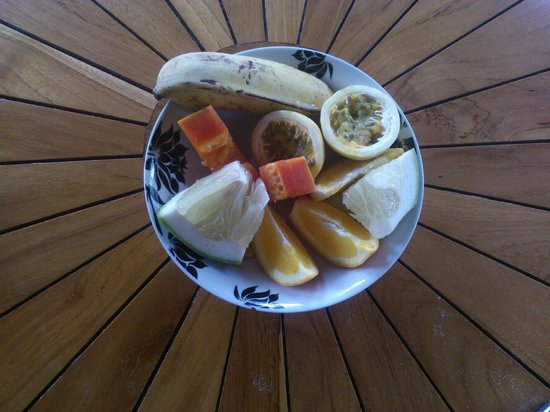 Fare Aute : assiette de fruits frais