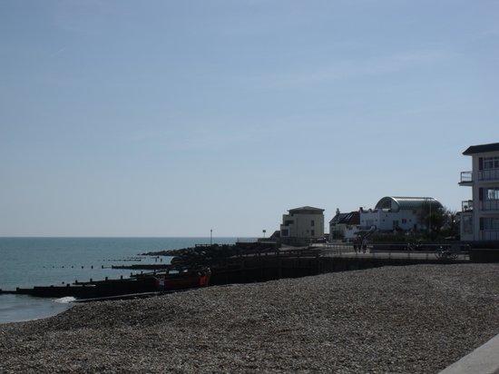 BEST WESTERN Beachcroft Hotel: Beach view