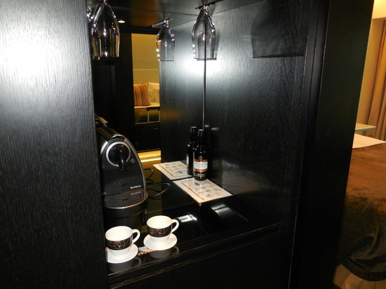 Crowne Plaza London - Battersea: Coffee Machine