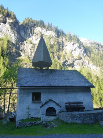 St.Martin im Calfeisental: Kirchli