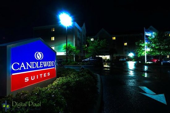 Candlewood Suites Ft Myers - I-75: Exterior