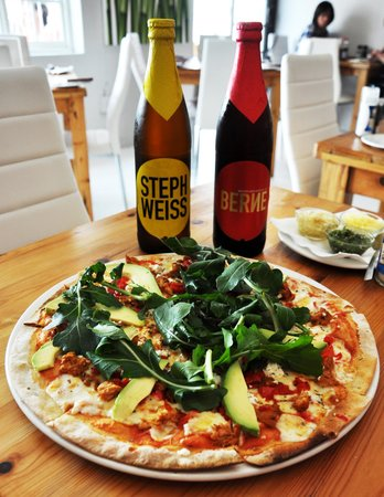 Sanook Cafe: Pizza and a craft beer