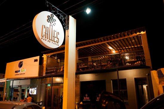 Fachada do restaurante foto de calles bar de tapas for Fachada para restaurante