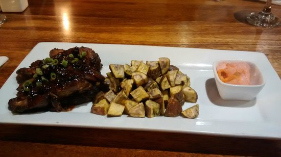 The Tree House Restaurante: The ribs rule!!!!