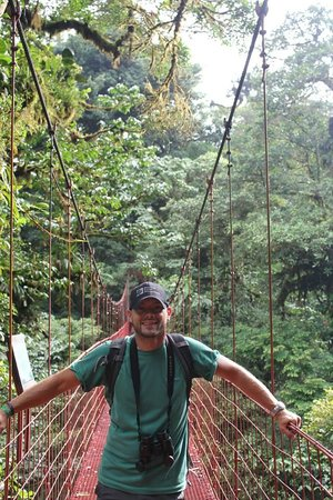 La Casona Lodge : The hanging Bridge
