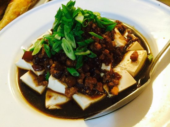 Do Chic In: Steamed toufu with braised minced meat & choysum