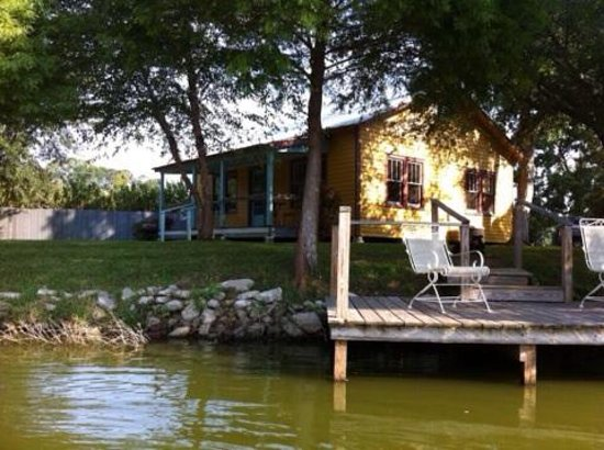 Cajun Country Cottages Bed and Breakfast: The view of Evangeline from the lake