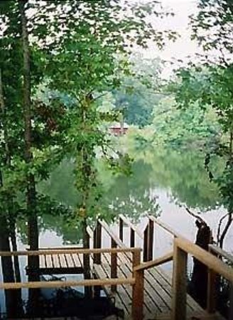 Cajun Country Cottages Bed and Breakfast: The lake