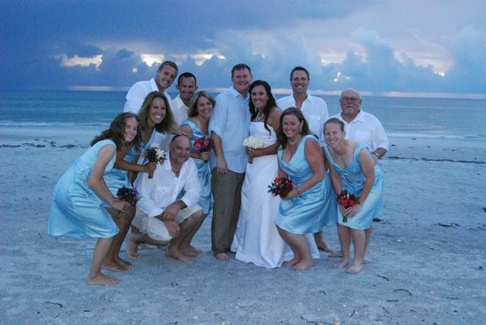 Tommy's on the Beach: small wedding perfect