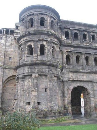 Secrets of the Porta Nigra: vista de fora