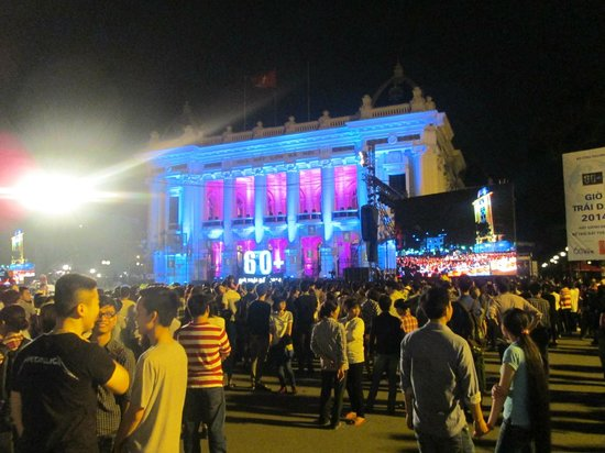 Hanoi Opera House: Earth Hour Celebration in from of Opera House 2014
