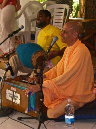 "Sivananda Ashram Yoga Retreat : .""Swami Radhanath. The author of ""The Journey Home"