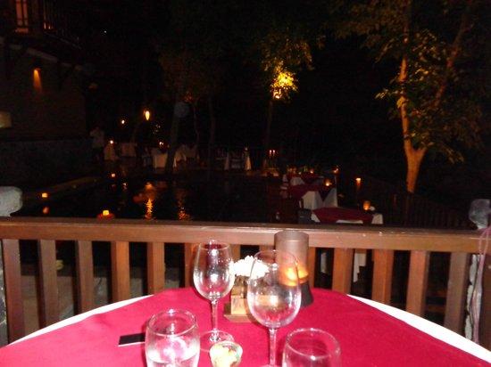 Kayumanis Ubud Private Villa & Spa: sexy dinner