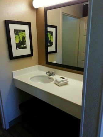 Extended Stay America - San Jose - Edenvale - North: bathroom