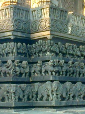 Chennakesava Temple: Sculptures
