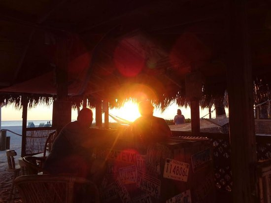 Cedar Cove Resort & Cottages : The Tiki Hut Life