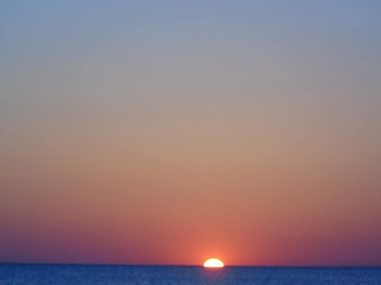 Cedar Cove Resort & Cottages : Sunset in your back yard