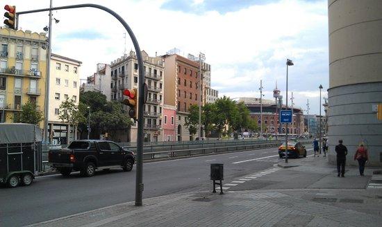 Ayre Hotel Gran Via: Вид от входа