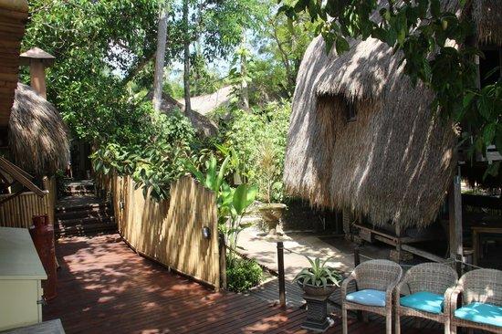 Hai Tide Beach Resort: чистота, красота