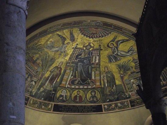 Basilica di Sant'Ambrogio: Mosaico da abside da basílica, do século IV.