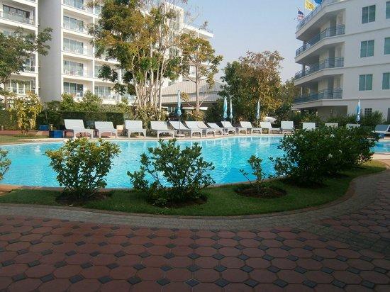 Cera Resort Chaam: la piscine
