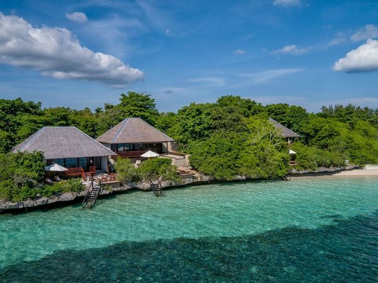 Villas two, three and four along the north end of Wakatobi dive resort