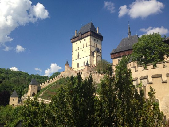 Ave Bicycle Tours - Day Tours: Karlstejn castle!